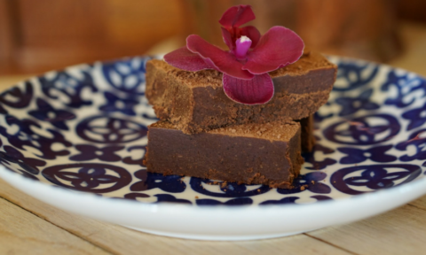 Almond chocolate fudge